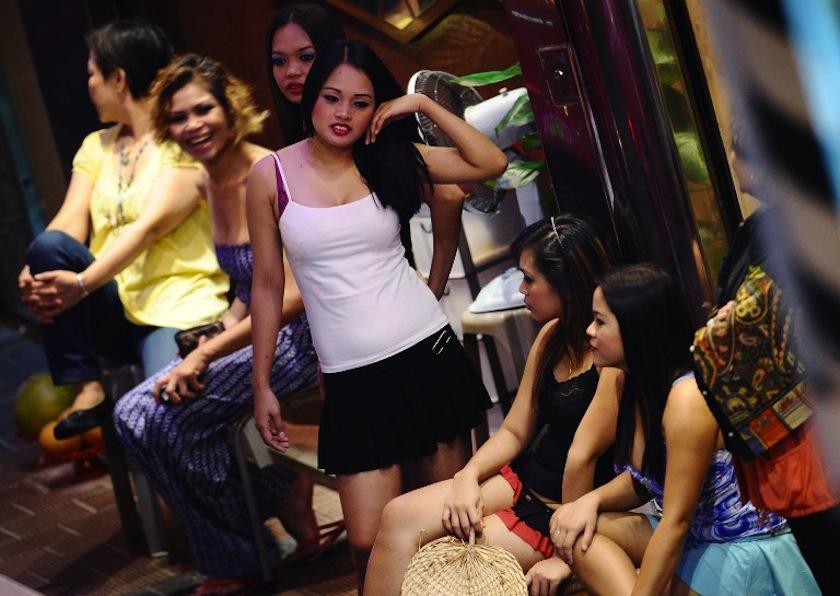 Гонконг проститутки цены каменск шахтинский снять проститутку